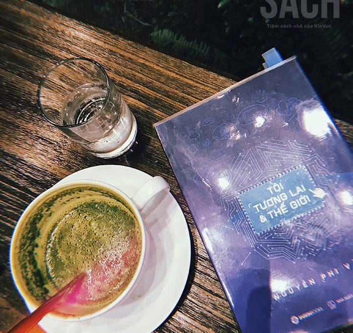 Tôi Tương Lai và Thế giới - Trên kệ sách